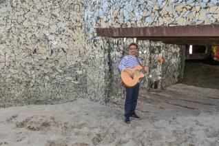 Olivier : Guitare et Percussions