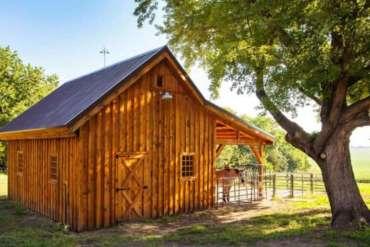 Pequenos pavilhões de baias para quem tem poucos cavalos