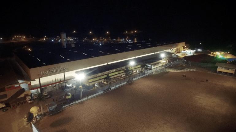 Inaugurada primeira pista coberta de Vaquejada do Brasil