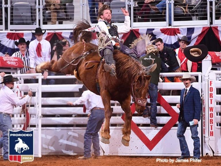 Dawson Hay fica com o título de Fort Worth após recorde
