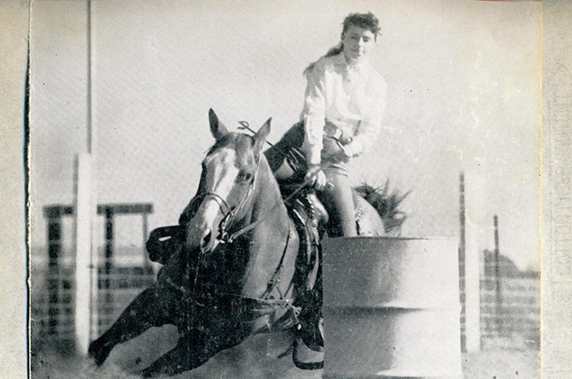 Jane Mayo é tricampeã mundial da Girls Rodeo Association