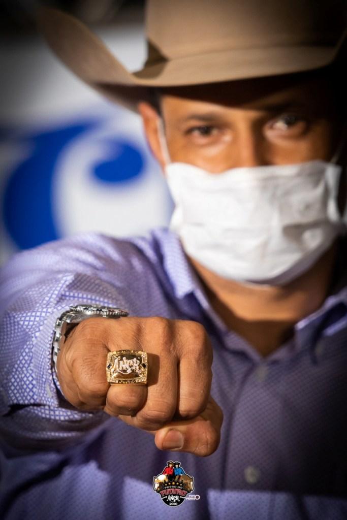 Treinador Marcelo Almeida conquistou seu sexto título de Potro do Futuro em novembro de 2020; tornou-se o maior ganhador dessa prova