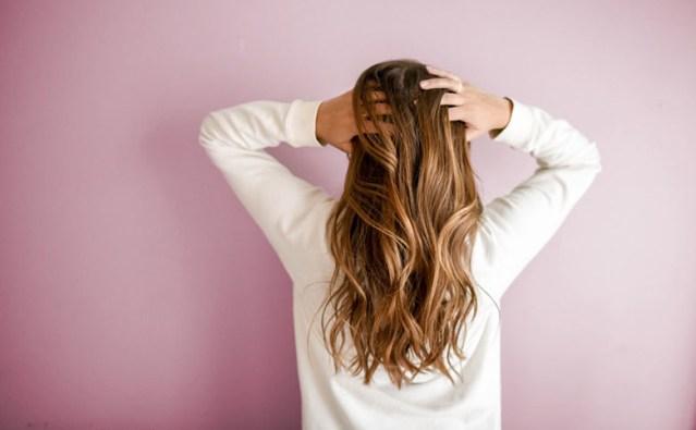 髪への意識が高い人は使ってるエルカラクトン配合の人気商品!