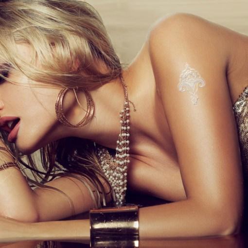 Tatuaggio_Gioiello_Temporaneo_Argento_Libero_17C-001-39SILVER-indossato