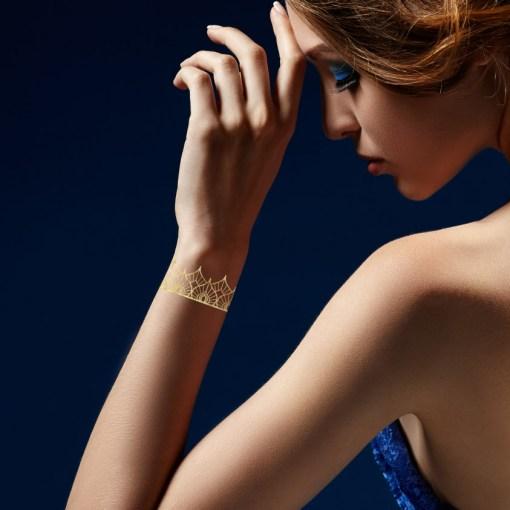 Tatuaggio_Gioiello_Temporaneo_Oro_24kt_Braccialetto_17C-001-14GOLD-indossato