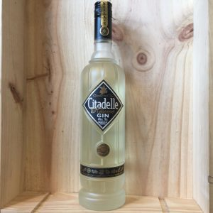 gin citadelle res rotated - Gin Citadelle Réserve 70 cl