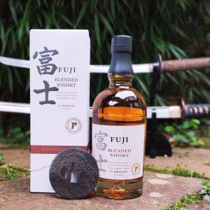 fuji blended cave le petit grain whisky japonais rieumes