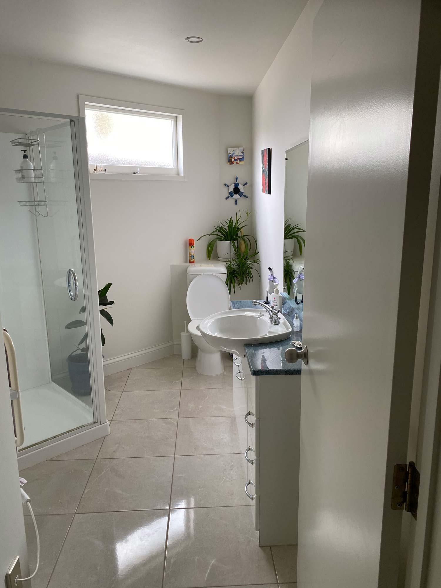 std-double-bathroom