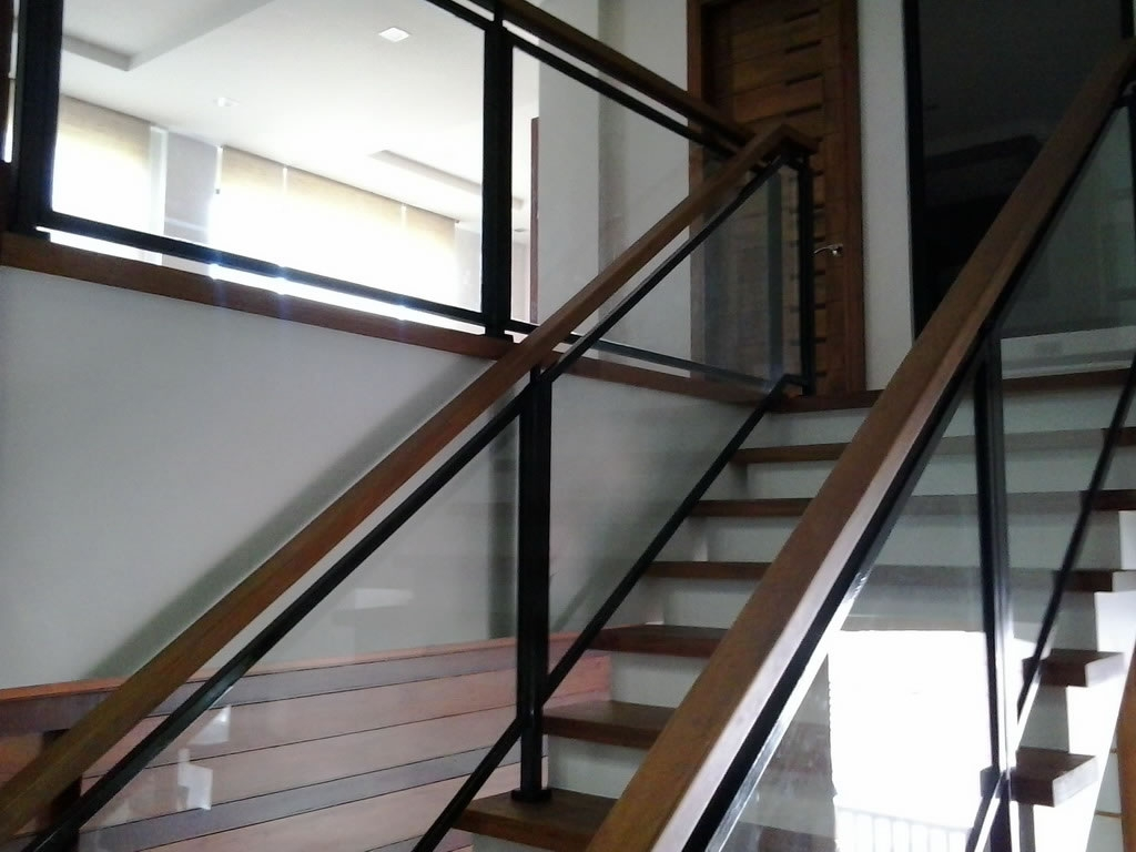 Glass Stair Railing Cavitetrail Glass Railings | Metal And Glass Staircase