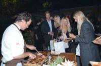 gästerna får lammkött