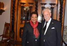 Jubilaren tillsamman med Sydafrikas Ambassadör Faiht Radebe.