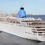 Cruise ship drifts to shore in wind change