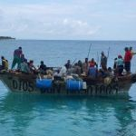 Over 100 Cubans held after new group arrives