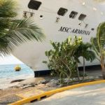 Cruise ship crashes into dock in Roatan