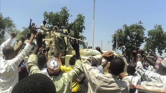 Cazadores-nigeriana-miembros-Boko-Haram_EDIIMA20141113_0395_4