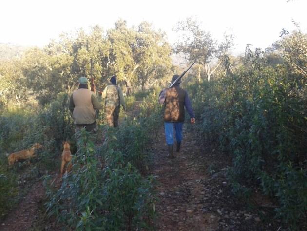 Prepara física para la caza cazador