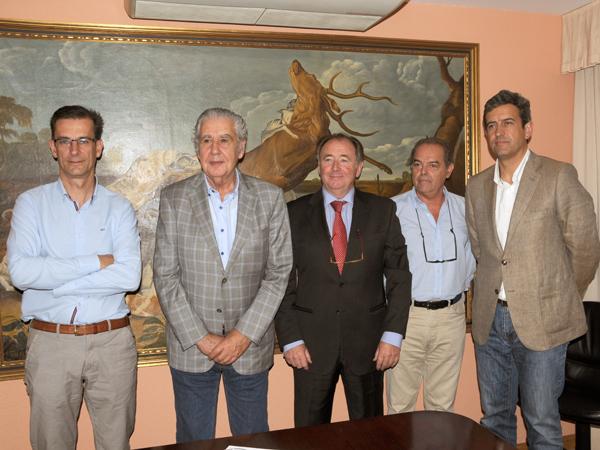Los representantes de la ONC durante la rueda de prensa celebrada hoy, 16 de julio, en Madrid, para dar a conocer el resultado de la reunión mantenida con la FACE sobre las Directivas Aves y Hábitats, del pasado 9 de julio, en París.