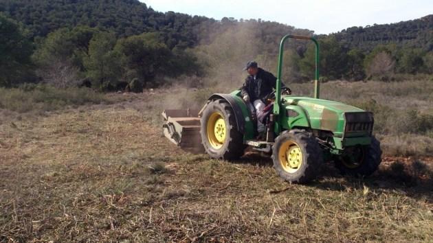desbroce tractor monte caza