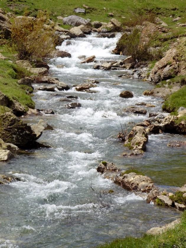 Escarra © Canal Caza y Pesca - paisaje agua arroyo