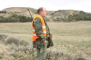 cazador Lucio Uriel en su puesto de batida © ADECANA