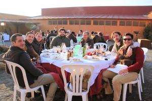 gran ambiente durante la comida cinabrio - la cruz - monteria