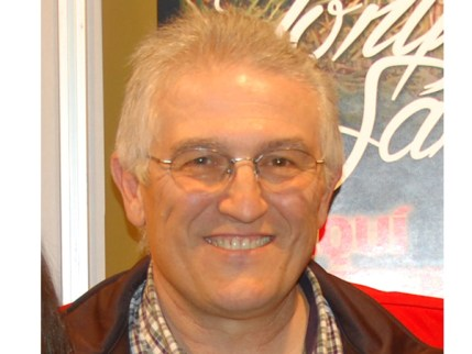 R- Felipe Vegue