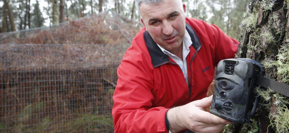 Foto: R. LEIRO / Las cámaras han resultado de increíble utilidad para el control del conejo.