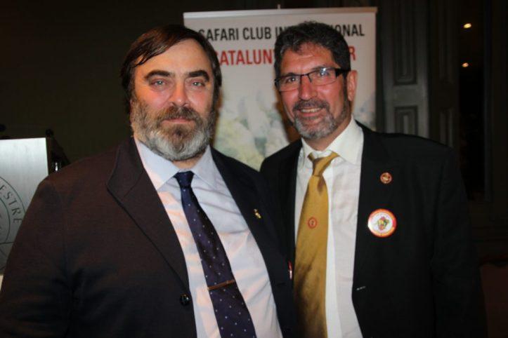 Los presidentes entrante y saliente de la Sección de Cataluña del SCI Iberian Chapter.