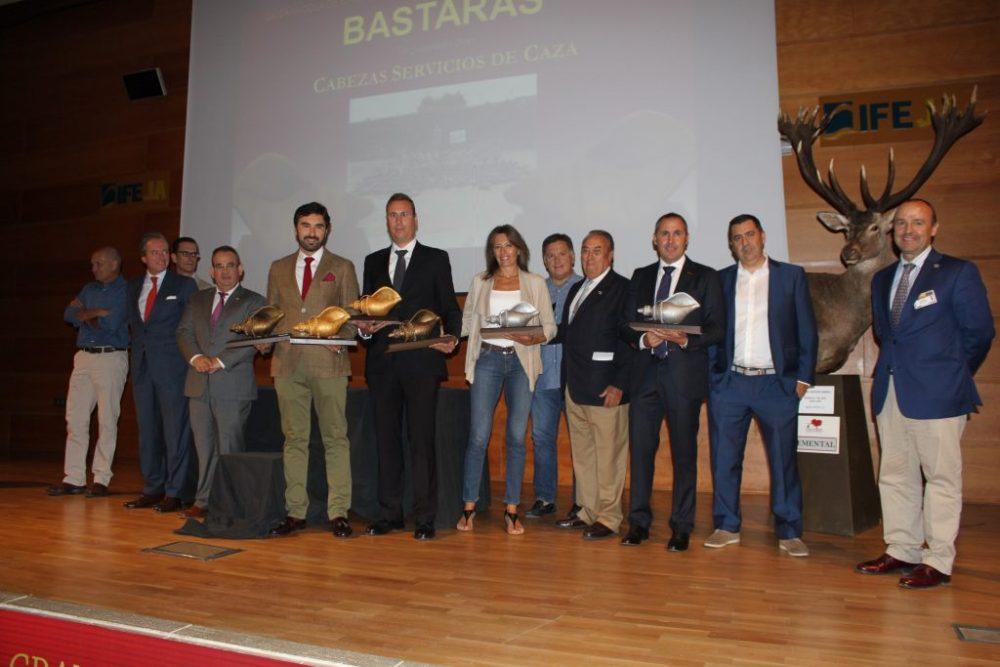 Imagen de todas las fincas y organizadores premiados en la categoría a mejor montería en fincas cerrradas.