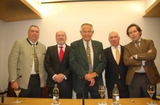 Gran acogida de la conferencia de Tony S. Ariño '62 años cazando en África'