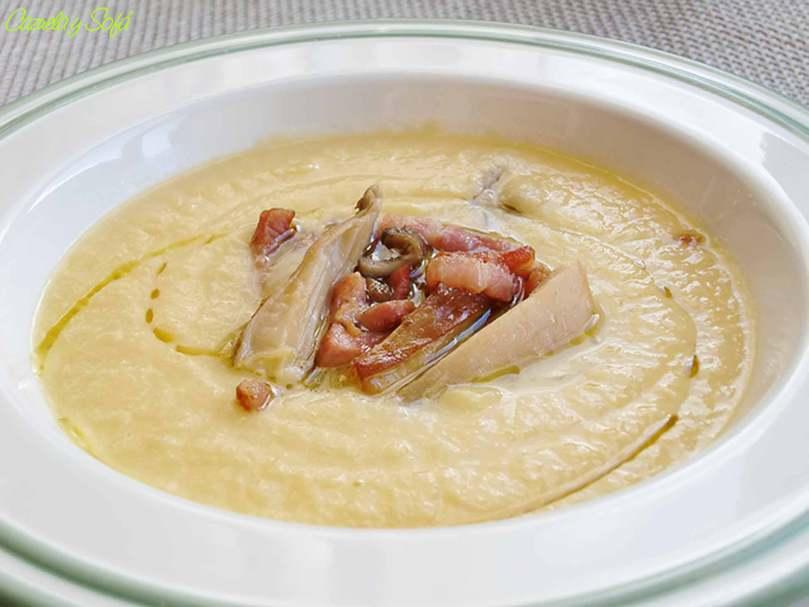 Crema de puerro con setas y bacon
