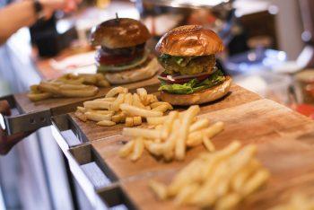 蔵前の激旨ハンバーガー『マクレーン』スマステで話題のバーガーは?