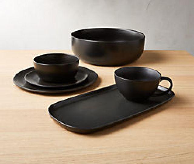 Crisp Matte Black Dinnerware