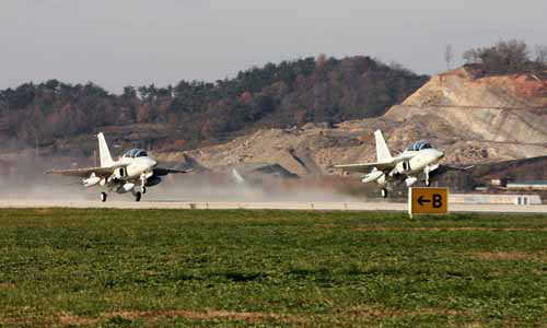 PH Air Force receives 2 FA-50 jets from South Korea