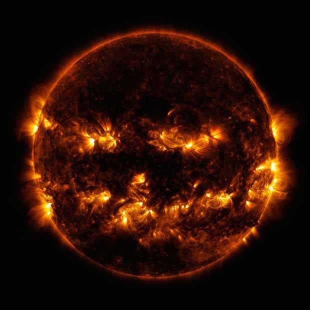 2016_0102_solar-pumpkin2