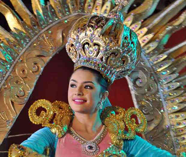 A Bicolana from Placer town of Masbate province reigns as Sinulog 2016 Festival Queen. Cynthia Thomalla, the fairest of all contenders is a tourism student. The lucky lady also won eight special awards including Miss Photogenic, SM Sinulog Festival Queen, Miss OLX Philippines, Miss Kokuryo Cosmetics, Yamaha Rev Queen, Miss Lecit-E, Miss BHI, and Best in group production presentation.
