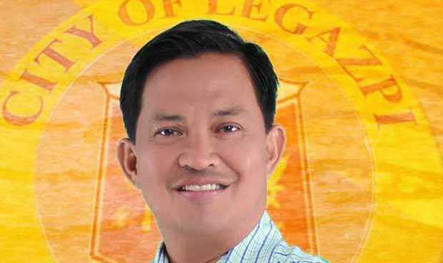 Political flies: Hundreds of turncoat Bicol LGU execs swear membership to PDP-Laban