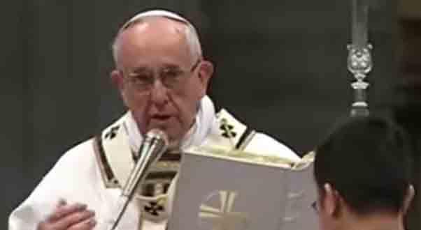 Pope Francis celebrates Maundy Thursday Chrism mass.