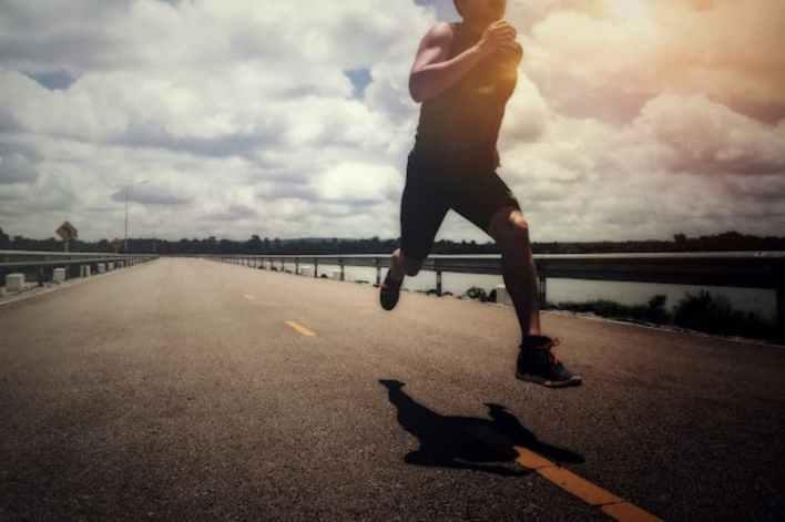sportif en train de courir, vin au cbd