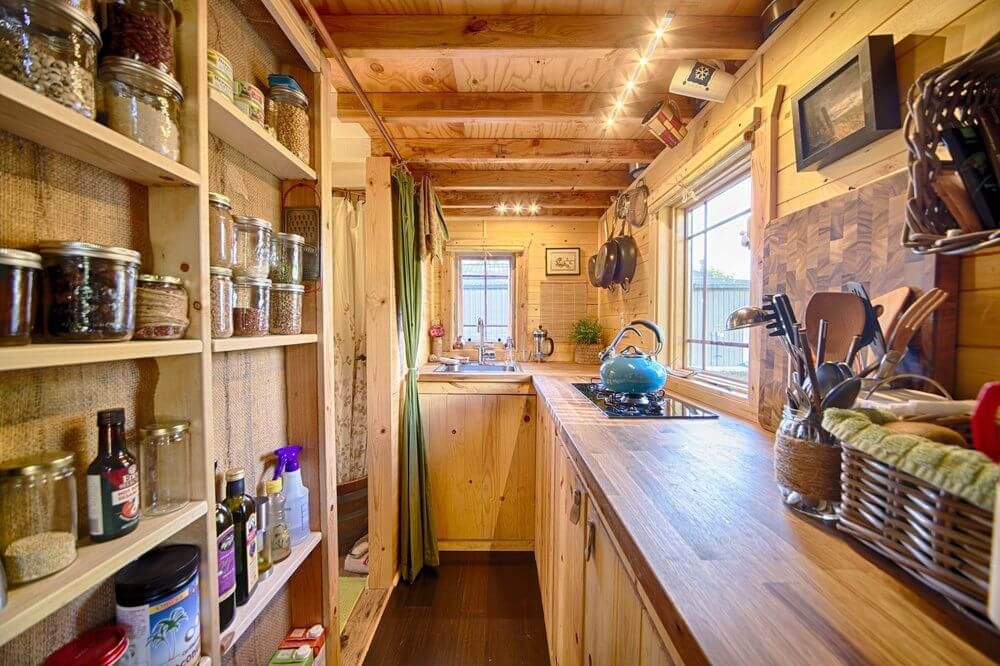 17+ Best Tiny House Kitchen Design Ideas That Feel Like Plenty of Space