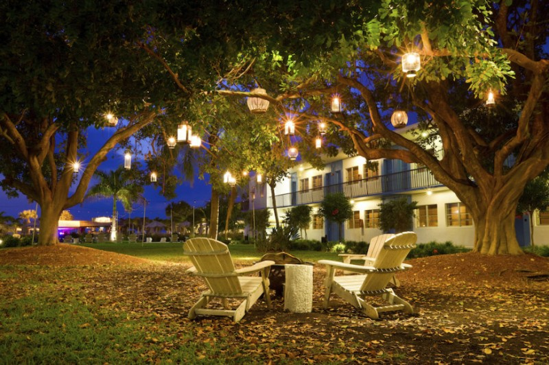 20 Brilliant Backyard And Landscape Lighting Ideas 2018