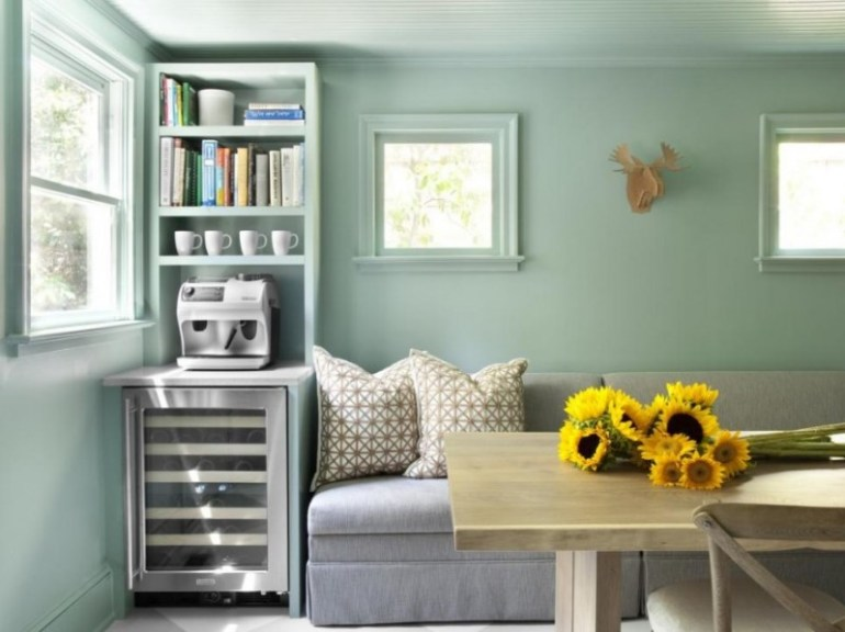 Stay Calm and Relax for Living Room Color Options