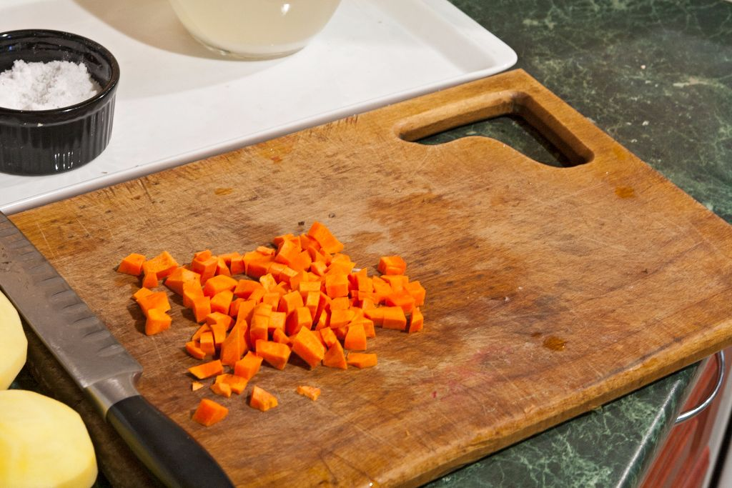 Dicing the carrots