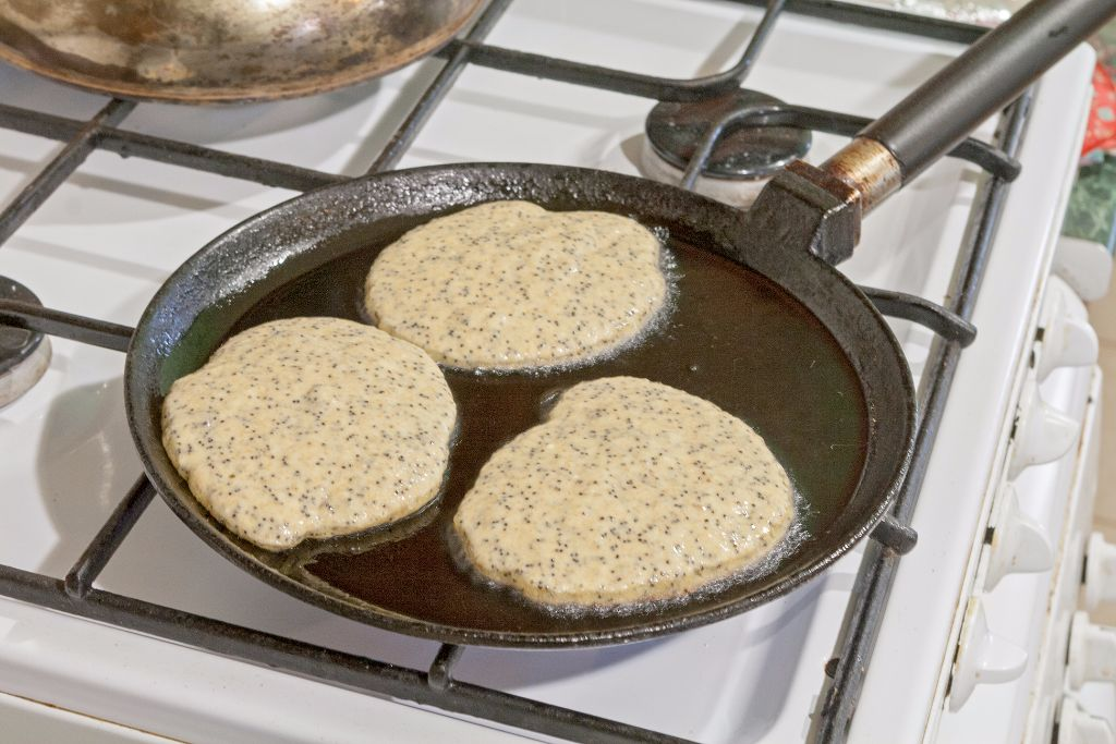 Frying the whole wheat pancakes