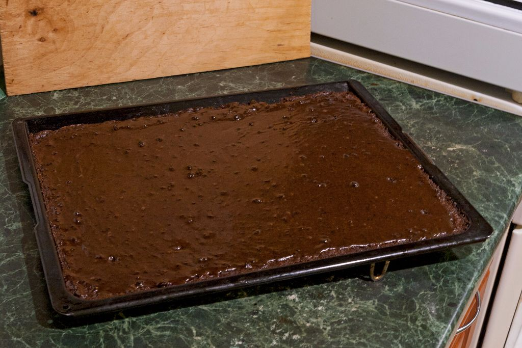 Glazing the base for your brownies