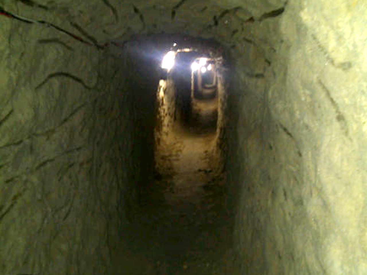 Drug Tunnels Discovered Days Apart In U S Mexico Cbs News
