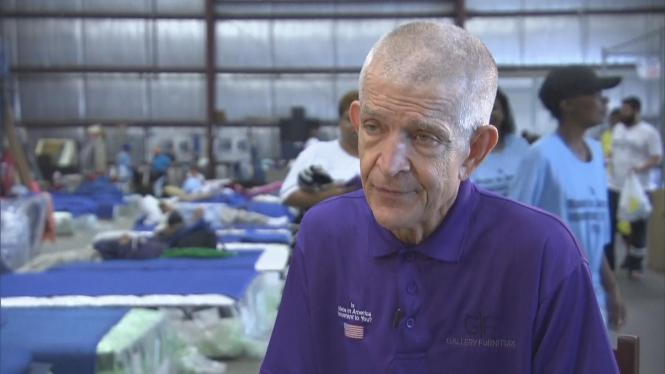 Mattress Mack Houston Furniture Owner Offers Refuge For Flood Victims Cbs News