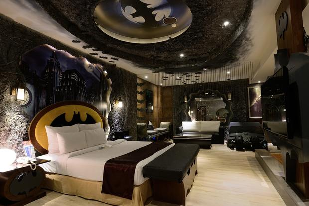 The Batman Room Worlds Craziest Hotel Rooms Pictures