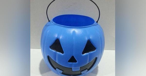 Mom urges use of blue Halloween buckets to raise autism awareness