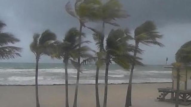 0909-cbsn-flembracesimpact-begnaud-1392954-640x360 Hurricane Irma shifts course, threatening Tampa - live updates